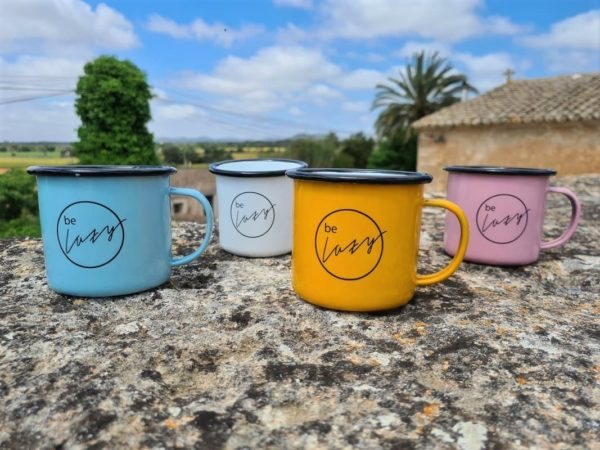 Be Lazy Emaille Tasse in vier Farben